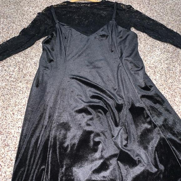 torrid Dresses & Skirts - Torrid velvet and lace two piece dress